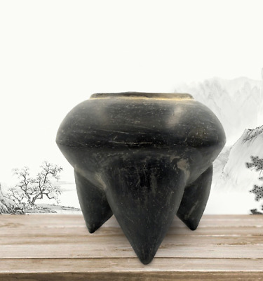 Ancient Neolithic Dawenkou Culture black pottery Three feet pot tank