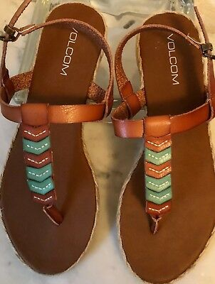 713a8891a03f Volcom Women s Size 10.5 Trails T-Strap Sandals