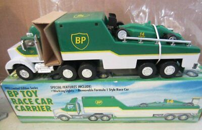 1993 BP Toy Race Car Carrier and Formula 1 Style Race Car   Working Lights