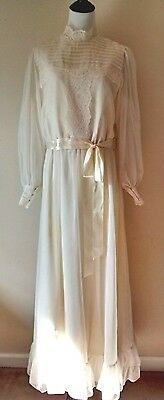 Vintage Handmade Ivory Wedding Dress Pintuck Chiffon Lace Long Sleeve c. 1970s