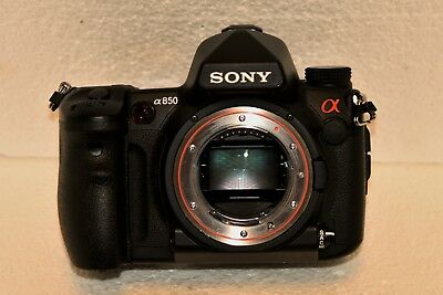 Sony Alpha A850 24.6MP DSLR Camera - 9452 Actuations - Excellent condition.