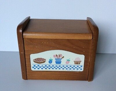 Vintage 1986 Hallmark Wooden Recipe Box Kitchen Motif -Taiwan