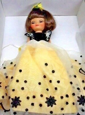 """PRECIOUS  8 """"Tiny Betsy """"Sunshine Pretty"""" Dressed Doll Nrfb/Sold Out/Retired!"""