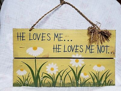 """Boyds Bears """" He loves Me.. He loves me not daisies Wooden Sign - 654924 Decor"""