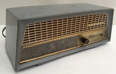 Vintage Kriesler Model 11-80 Tube Radio