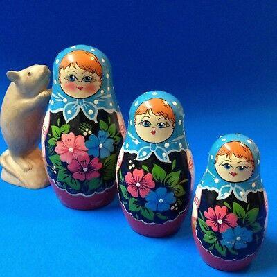 Nest of 3 - Wood Babushka Dolls - 14cm Tall, Hand Painted Traditional Floral
