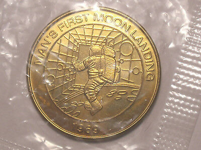 Free Ship!  MOON Landing 1999 Millennium Series Token , New ,never opened L1046