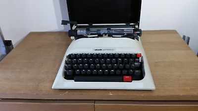 Olivetti Lettera 12 Vintage Portable Typewriter in Hard Case Grade B