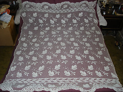 #406 Beautiful Vintage Handmade Filet Coverlet  195cm/150cm(77''/59'')