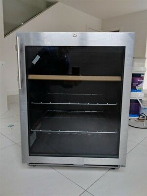 Liebherr Kuv1712 144l Glass Door Bar Fridge 84300 Picclick Au