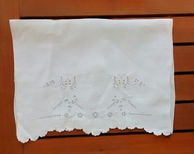 Vintage Hand Embroidered Butterfly Monogram Eyelet Irish Huck Linen Guest Towel