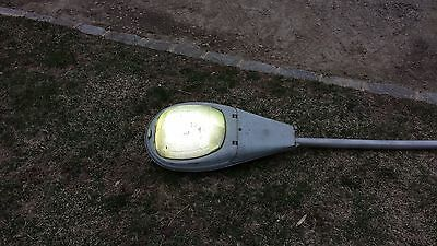 General electric street light overhead luminaire with mast and wiring 120 volt