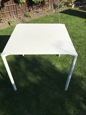 Table By PEDRALI of ITALY jump Style 79x79cm Square White