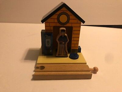 Thomas and Friends Gas Station Set Wooden Railway Train Brio Imaginarium Ikea
