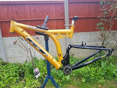 Gt Xcr 3000 Full Suspension Downhill Mountain Bike Frame Size 17 5