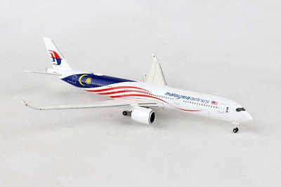 He531344 Herpa Wings Malaysia Airlines Airbus A350-900 1/500 Die-Cast Model