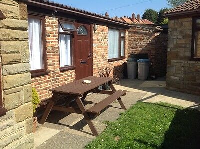 whitby 2 bed cottage to let with parking holiday cottage weekend break midweek