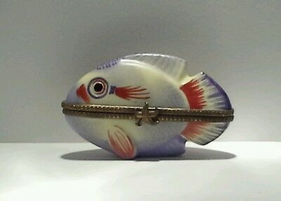 Quirky Limoges France Peint Main Fish Trinket Box