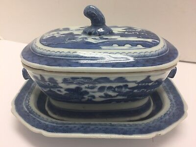ANTIQUE CHINESE 19thC. CANTON EXPORT HOGS HEAD SAUCE TUREEN WITH UNDER PLATE (a)