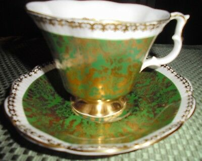 "Royal Albert Tea Cup and Saucer ""BUCKINGHAM"" series bone china made in ENGLAND"