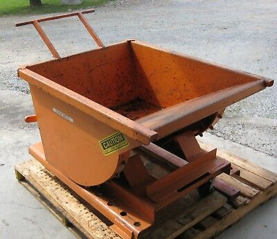 McCullough Industries 1/4 yd. Self Dumping Hopper On Casters