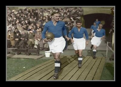 Collectors/Photograph/Portsmouth/Pompey/Captain Leading Out Team/1930's/Print