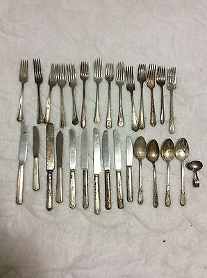 Vintage 29pc Lot Silverplate Flatware Mixed Large Lot Very Worn