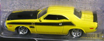 Johnny Lightning 70 1970 Dodge Challenger T/a Muscle Car Usa Collectible Yellow