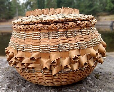 Basket Native American style Handmade Sweetgrass w Cover Round Vintage
