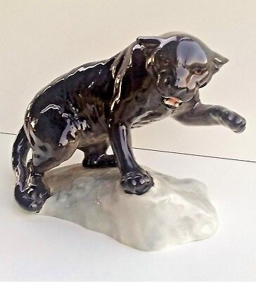 Vintage Retired Beswick Wild Animal Figurine 'Puma on Rock' #1823