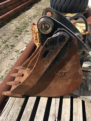 cat caterpillar Backhoe Bucket 18""