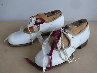 Pair Vintage Girls Leather Dress Shoes Italian Hand Made On Wooden Mould