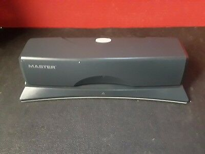 Mater Electronic Hole Punch 312