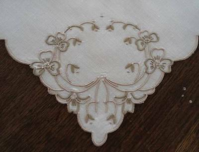 Vintage Madeira Linen Placemat Napkin Set Ornate Embroidered Pansy Swags Wreath