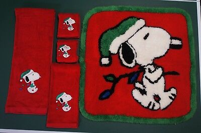 Vintage RED PEANUTS SNOOPY CHRISTMAS TOWELS and Rug