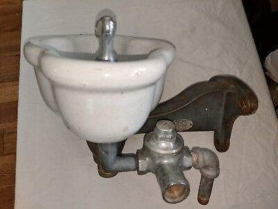 Antique Vintage Halsey Taylor Porcelain Iron Bracket Drinking Fountain