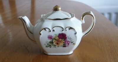 Vintage Sadler small miniature country roses cube gold teapot