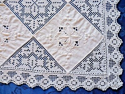 VINTAGE WHITE EMBROIDERED  & LACE LARGE DOILEY / TABLE CENTRE 46cms x 32 cms