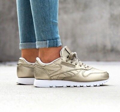 3b489bf1f7e633 Reebok Classics Womens Leather Melted Metals Trainers Pearl Metallic Grey  Gold