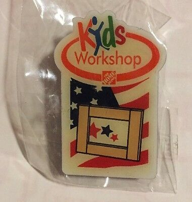 NEW HOME DEPOT KIDS WORKSH Picture Frame Flag PIN COLLECTIBLE RARE COLLECTORS