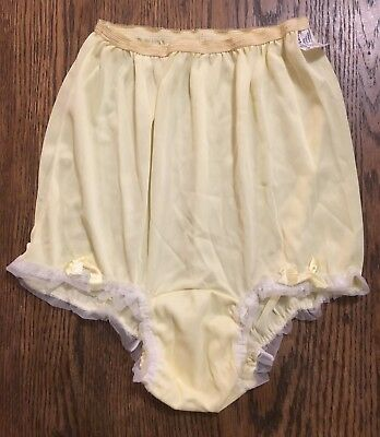 Vtg NOS 60's Girls Acetate Sissy Granny PANTIES Lace Ruffles Bows Yellow Sz 14