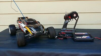 FOR PARTS !! Traxxas Rustler RC Electric Car W/ Remote & Charger