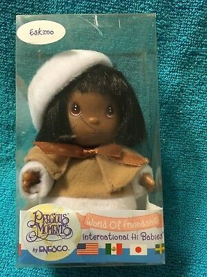 Precious Moments By Enesco World Of Friendship Eskimo  International Hi Babies
