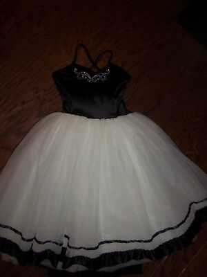 Curtain Call Costumes White Skirt/black Velvet Top Dance Outfit: Size:10/12
