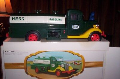 Nm 1982/83 Hess Truck, With Box And Bottom Insert