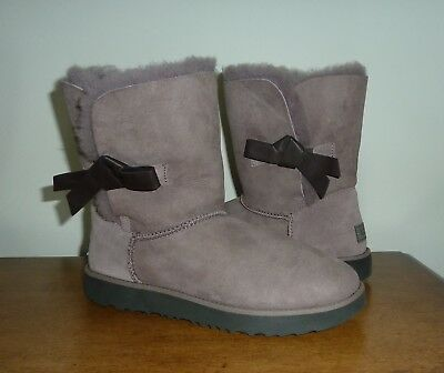 35a2a63e1a7 NEW UGG WOMEN'S Classic Knot Stormy Gray Boots 9.5