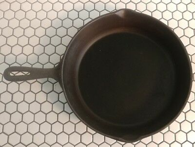 Vintage 10 1/2 Cast Iron Skillet Made in Taiwan