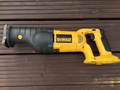 DeWALT DC385 XRP 18v Cordless Reciprocating Saw with quick blade release