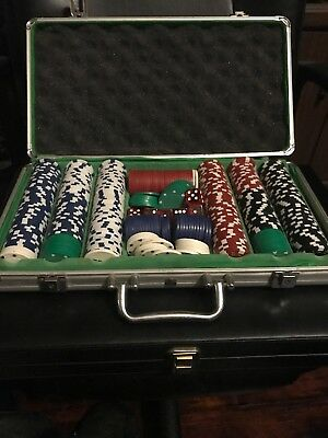Poker Set Game 420 Chips Classic Style Aluminum Case