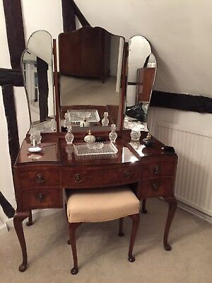 Antique Walnut Dressing Table With Angled/folding Mirrors